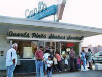 Customers at Carl\'s, Fredericksburg