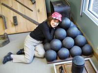 Examining the cannonballs